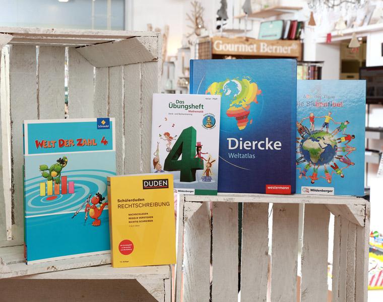 Schulbücher Papierschlange